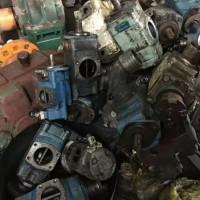 高价专业回收汽车旧件ABS、油泵、连杆等
